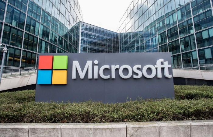 Microsoft ilk kez 1 trilyon doları geçti