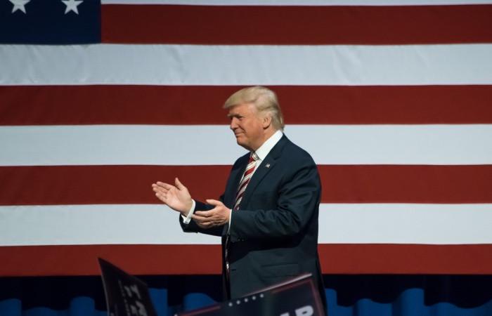 Trump sürpriz yaptı, Çin'e vergiler arttı