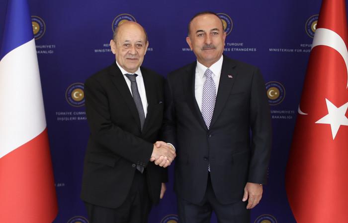 Çavuşoğlu: Fransa'nın YPG ile yakın iş birliğini doğru bulmuyoruz