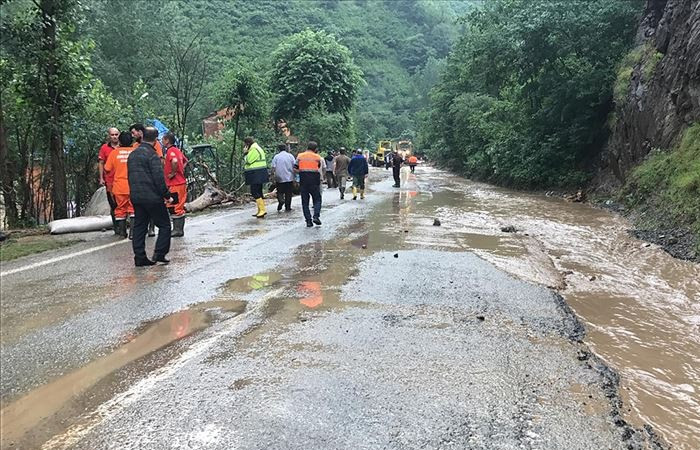 Trabzon'da sel: 3 ölü, 7 kayıp