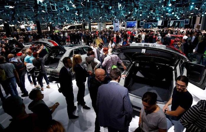 Geleceğin otomobilleri Frankfurt'ta yarışa çıktı