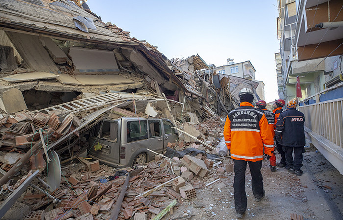 Elazığ depremi dolayısıyla dünyadan dayanışma ve başsağlığı mesajları