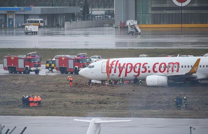 Sabiha Gökçen Havalimanı'nda uçak pistten çıktı, uçuşlar durdu!