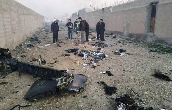 İran'da yolcu uçağı düştü, kurtulan olmadı