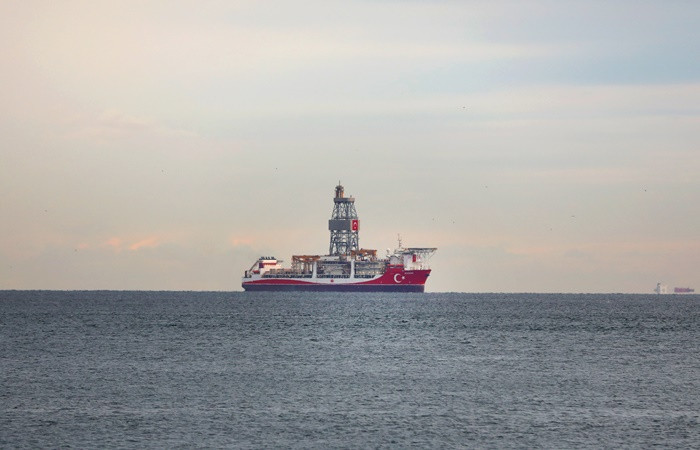 Kanuni sondaj gemisi İstanbul açıklarında