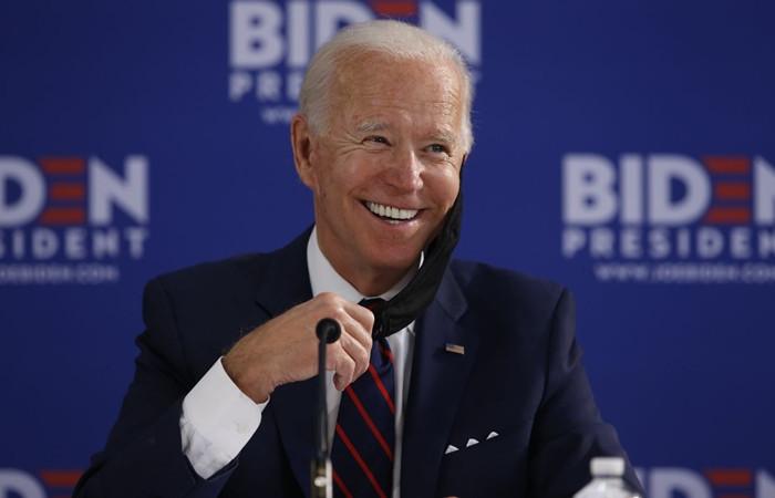 ABD'de anketler Biden'ı gösteriyor