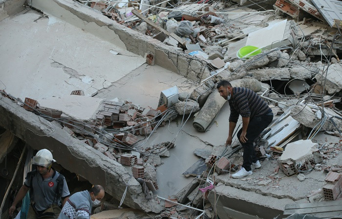 İzmir'de deprem felaketi