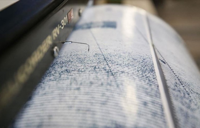 İzmir'de 5 büyüklüğünde deprem