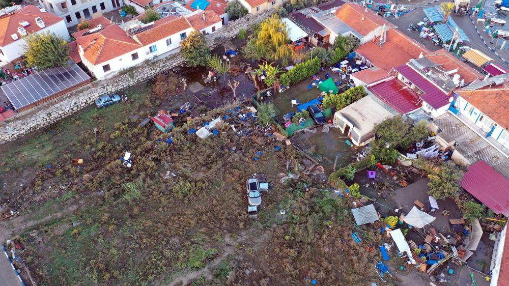 İzmir'deki depremin merkez üssü Seferihisar havadan görüntülendi - Sayfa 3