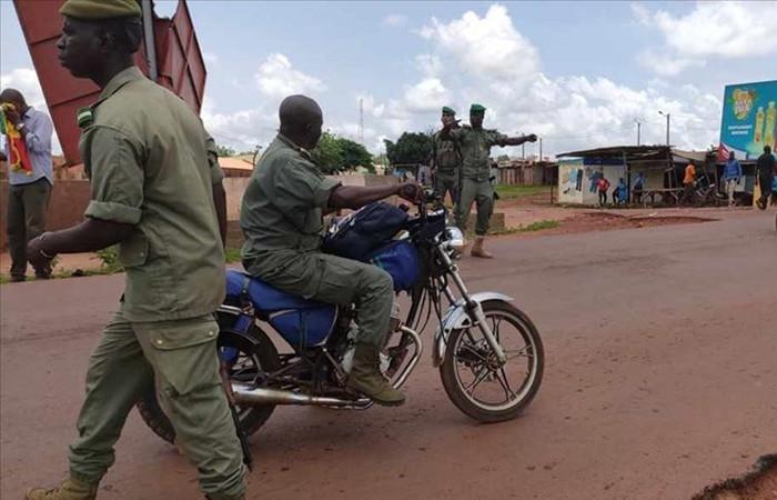 Mali'de Cumhurbaşkanı Keita alıkonuldu