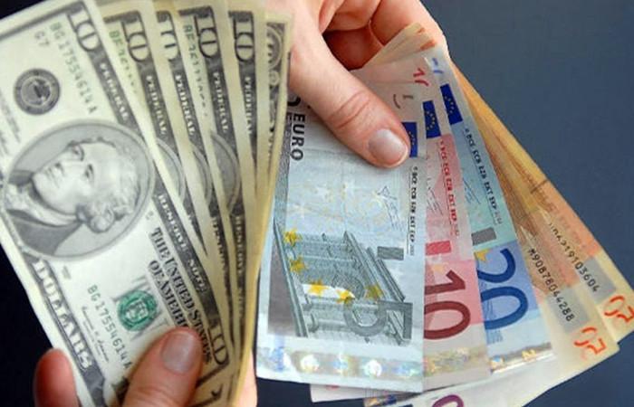 Dolar ve Euro yeni zirveleri gördü, uzmanlar 'faiz artırımı şart' diyor