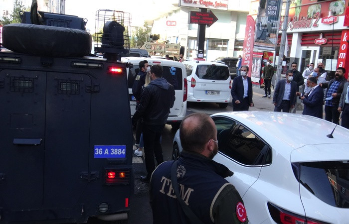 Kobani eylemleri soruşturmasında 82 kişi hakkında gözaltı kararı