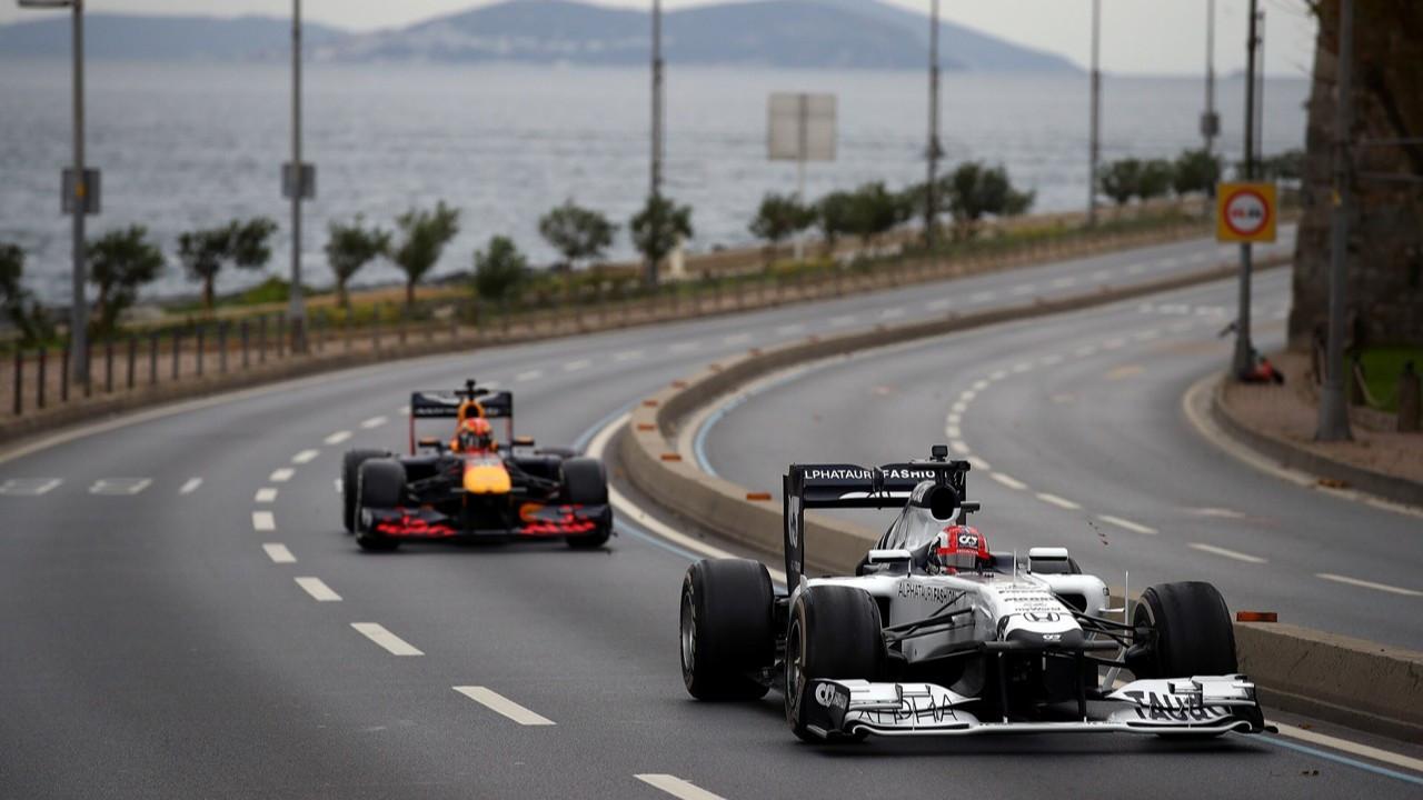 İstanbul'a özel hazırlanan F1 kupası sahibini bekliyor