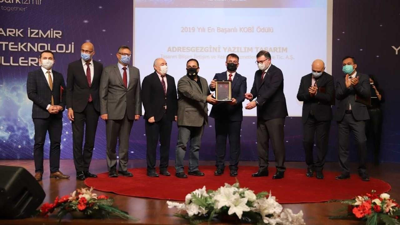 """Teknopark İzmir'de """"Yüksek Teknoloji"""" ödülleri sahiplerini buldu"""