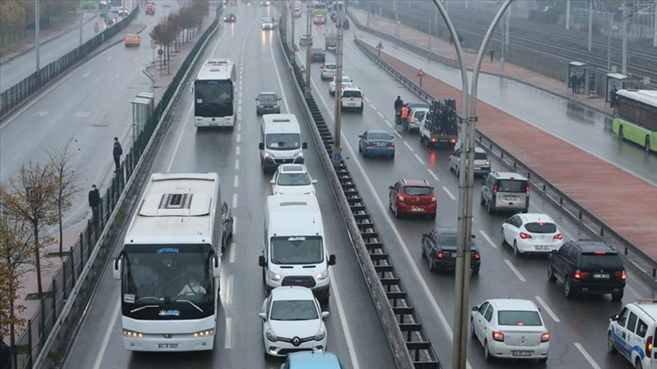 Kocaeli'de D-100 kara yolu şehirlerarası yolcu taşımacılığına kapatıldı