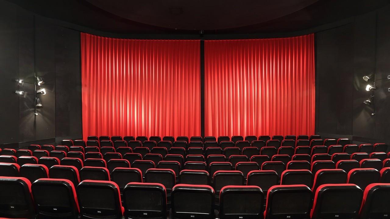 Sinemacılardan tarihi karar: Zaruri olarak ara veriyoruz