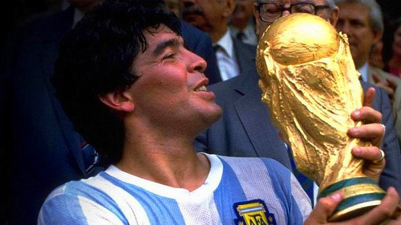 Futbol dünyasından Maradona geçti - Sayfa 1