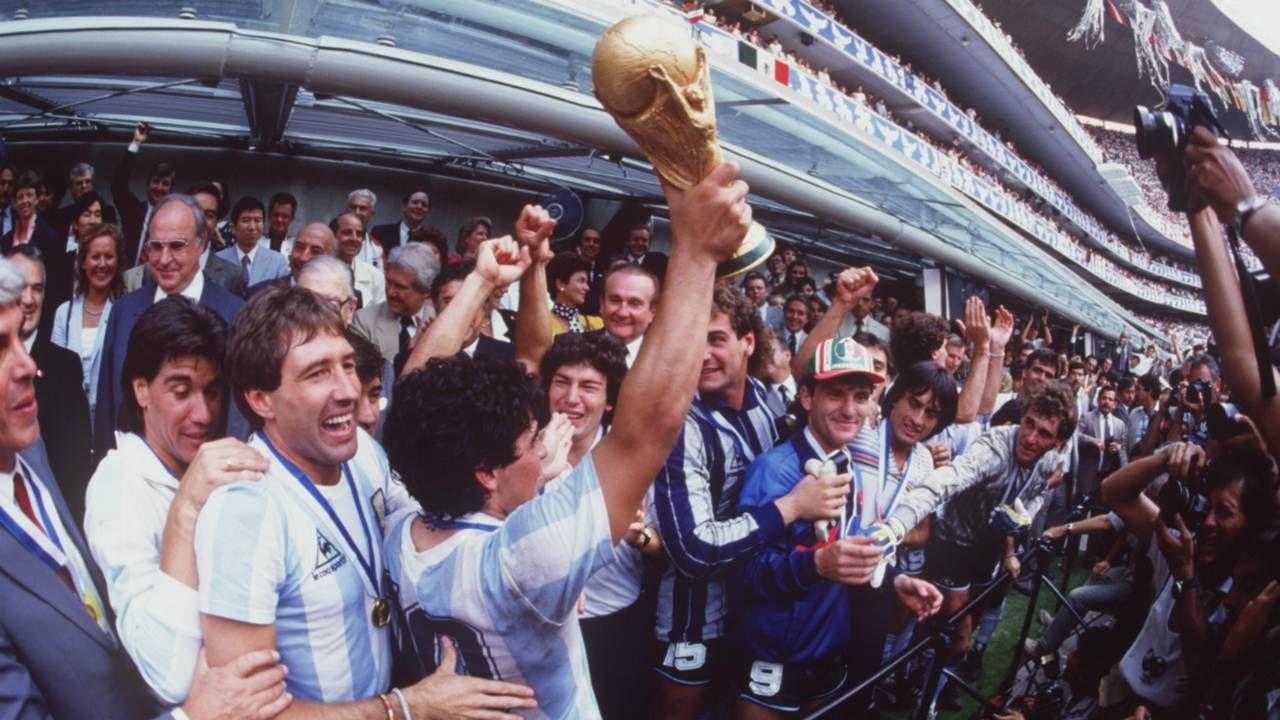 Futbol dünyasından Maradona geçti - Sayfa 4