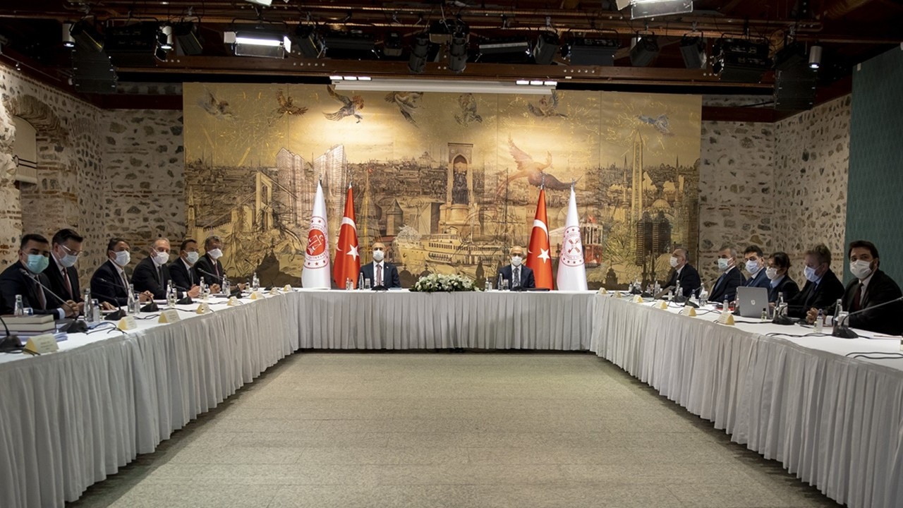 Reform görüşmelerinin ilk durağı TÜSİAD oldu