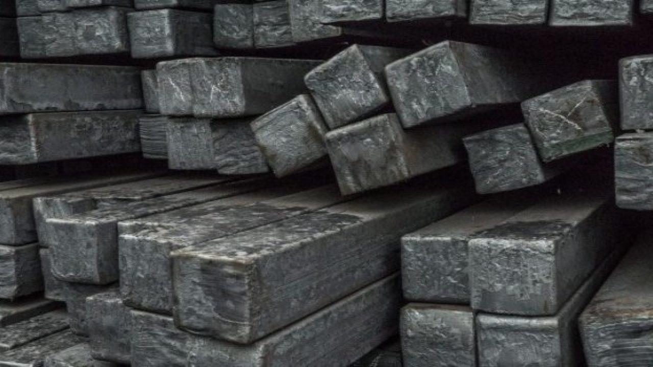 Çin'de çelik ve demir cevheri rekor düzeye yükseldi