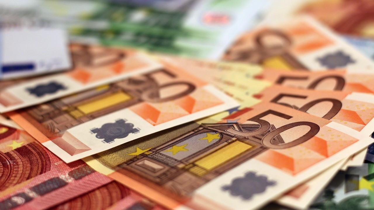 Euro/TL, parite etkisiyle zirveyi gördü