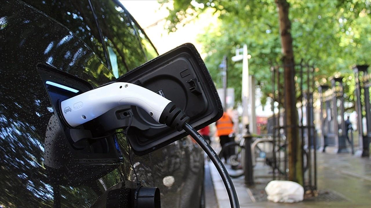 Kearney: Devlet desteği azalınca elektrikli araçların satışları düşüyor