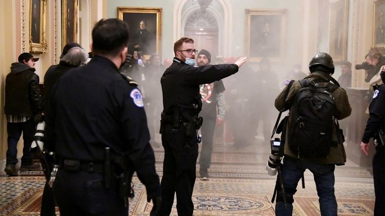 Trump destekçileri Kongre binasını bastı!