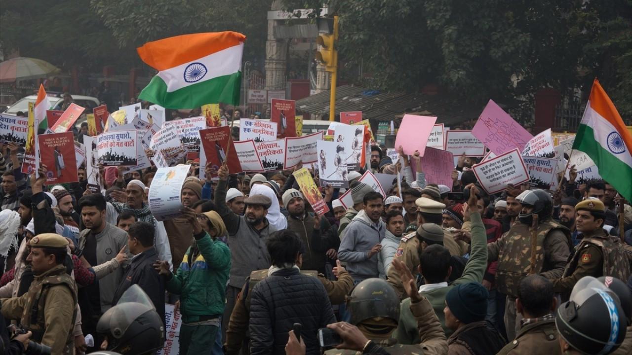 Hindistan'da protestocular kamplara geri döndü