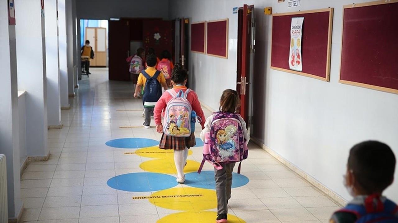 Okullar COVID-19 tedbirleriyle açılacak