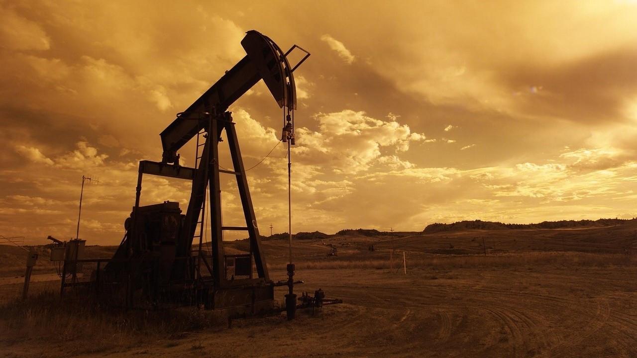 Petrol fiyatları salgın endişesiyle baskılanıyor