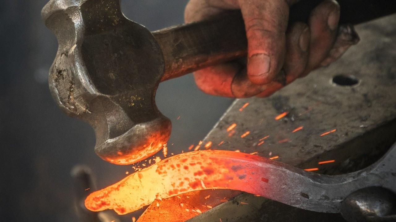 Metaller güç savaşı veriyor