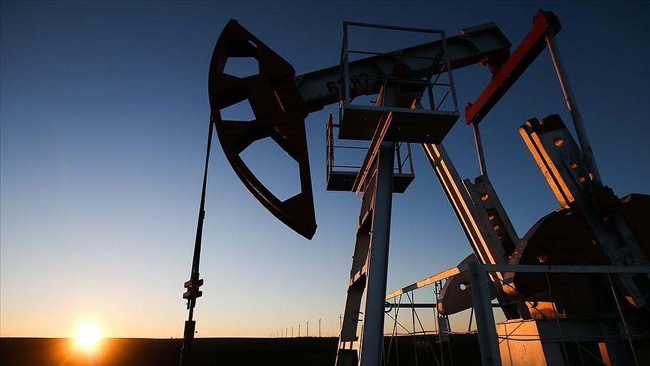 Petrol fiyatları dünkü gerilemenin ardından yönü yeniden yukarı çevirdi