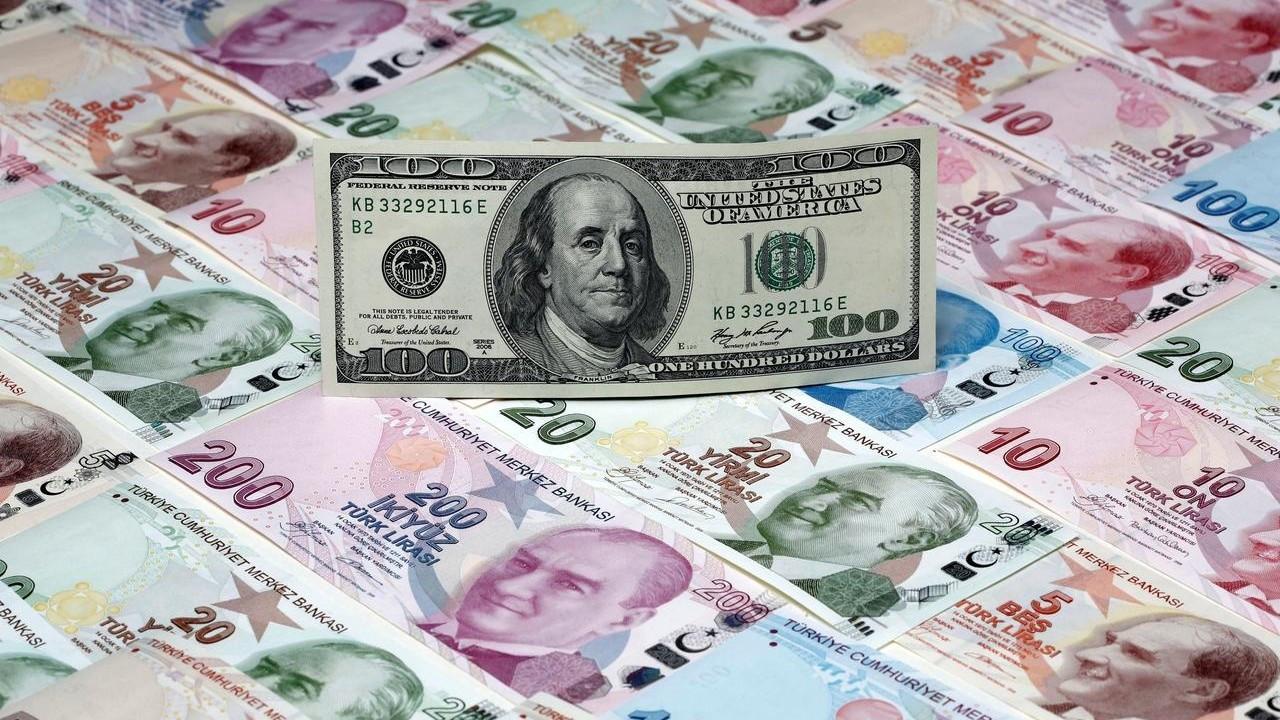 Dolar, enflasyon sonrası 8,30'un altını gördü