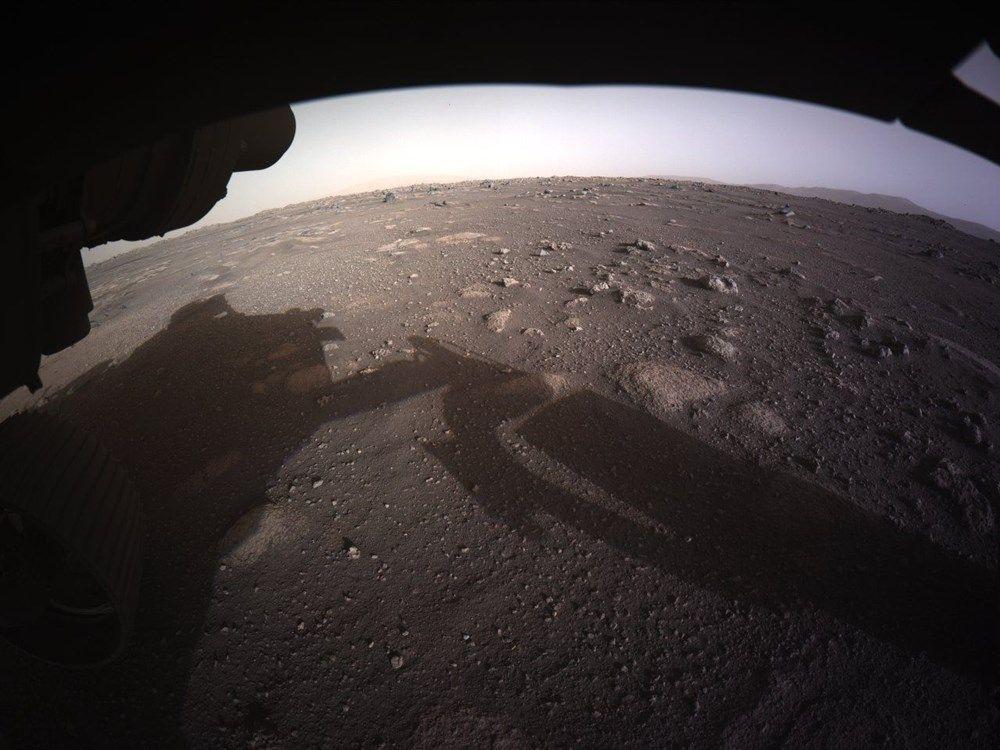 NASA Mars'tan ilk fotoğrafları paylaştı - Sayfa 2