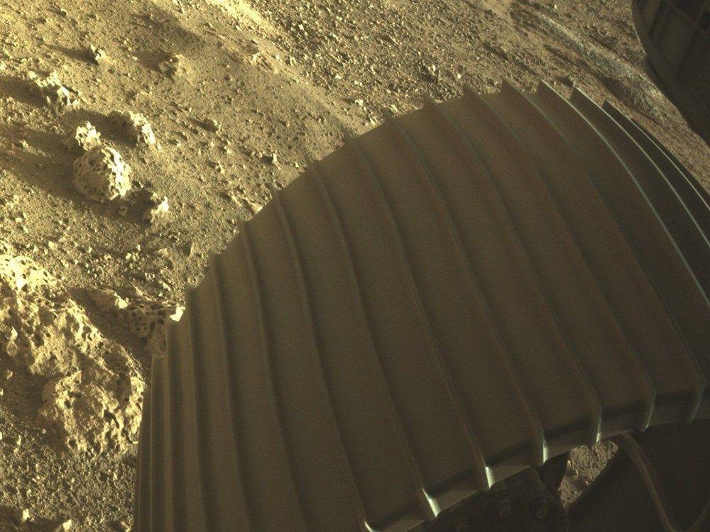 NASA Mars'tan ilk fotoğrafları paylaştı - Sayfa 3