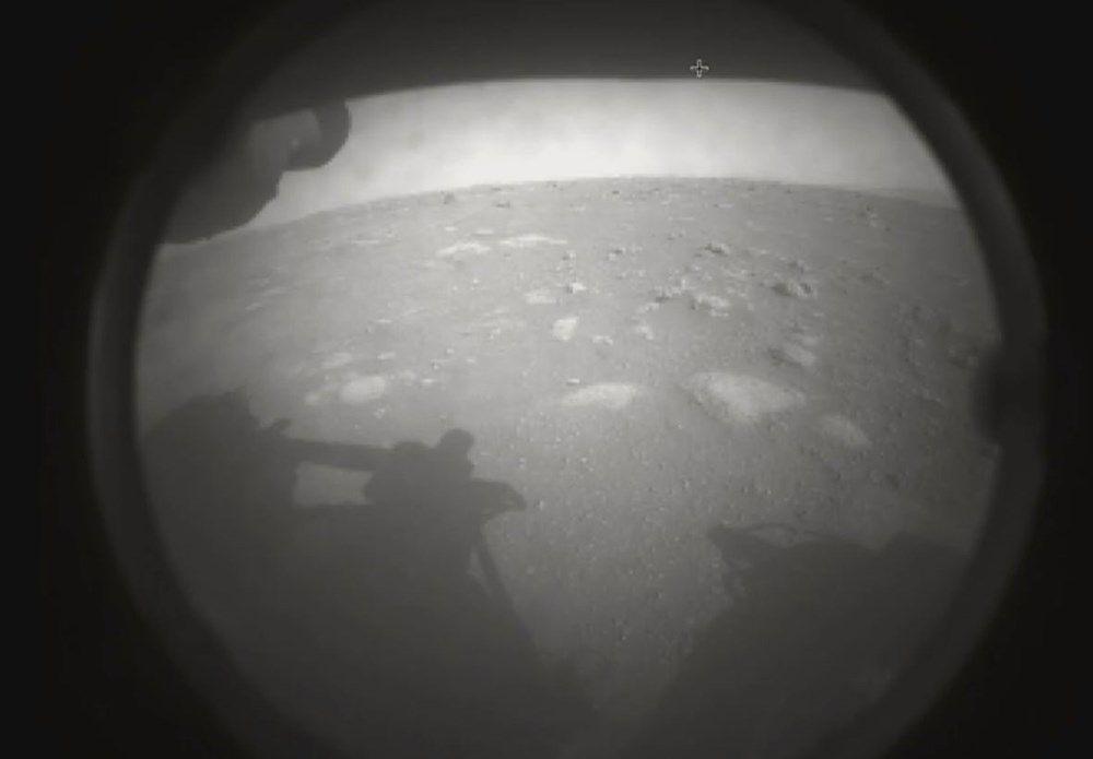 NASA Mars'tan ilk fotoğrafları paylaştı - Sayfa 4