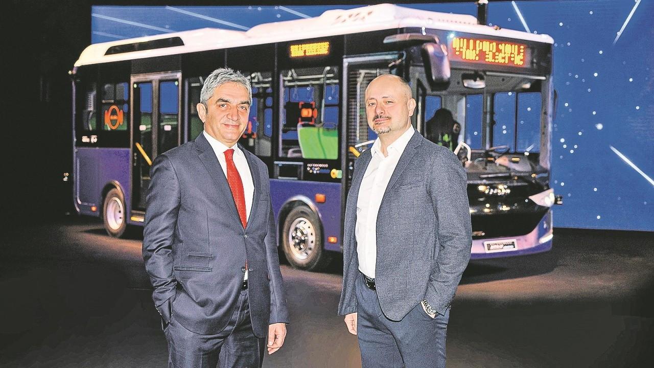 İlk sürücüsüz otobüs Türkiye'den yola çıktı