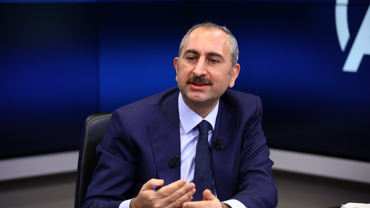 Bakan Gül'den '10 bin dolar alan siyasetçi' açıklaması: Yargının görevi iddiaların üstüne gitmek