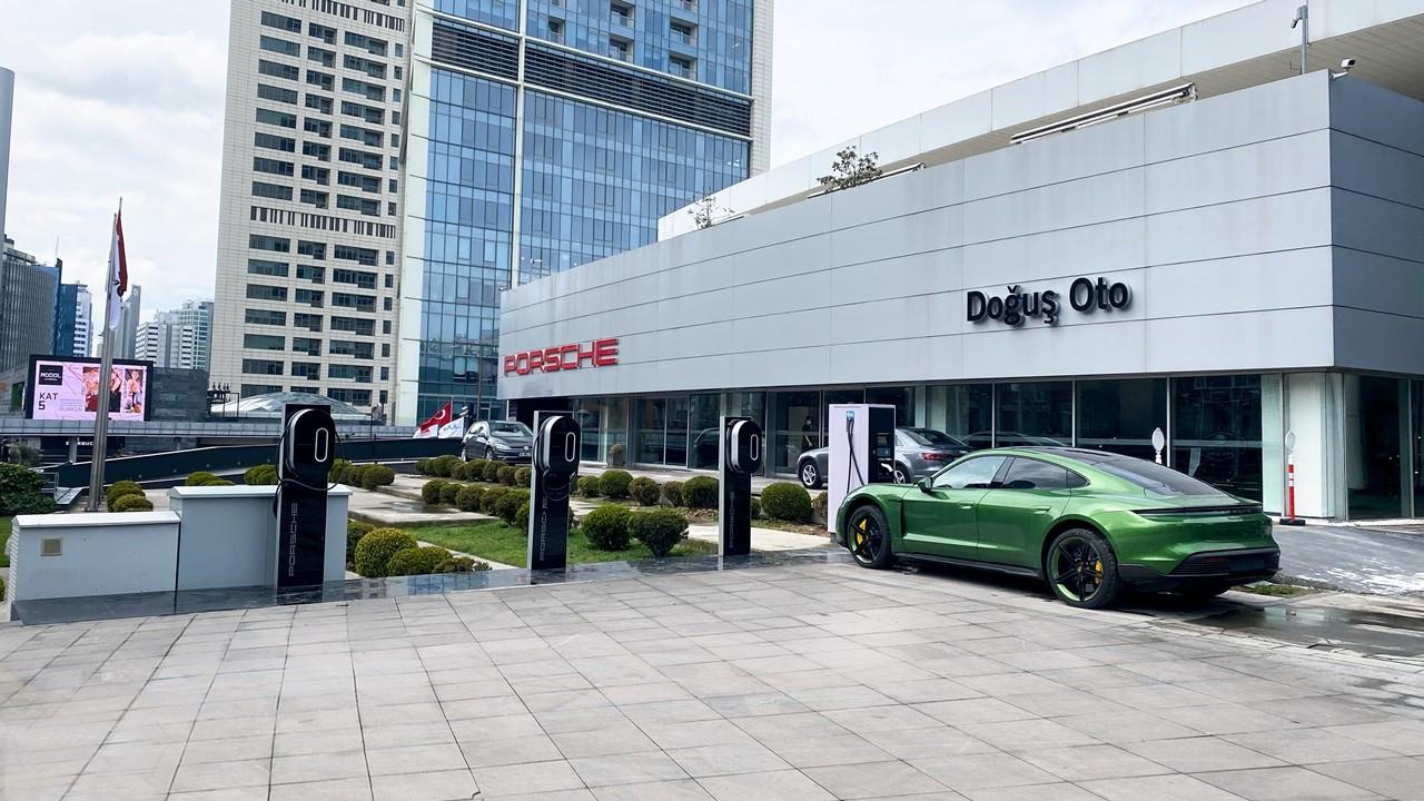 Porsche, elektrikli otomobiller için Türkiye'ye şarj ağı kurdu