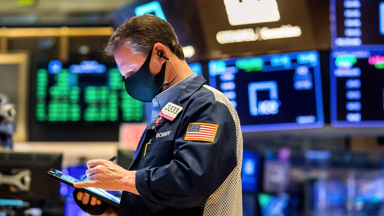 Dow Jones ve S&P 500 rekor tazeledi