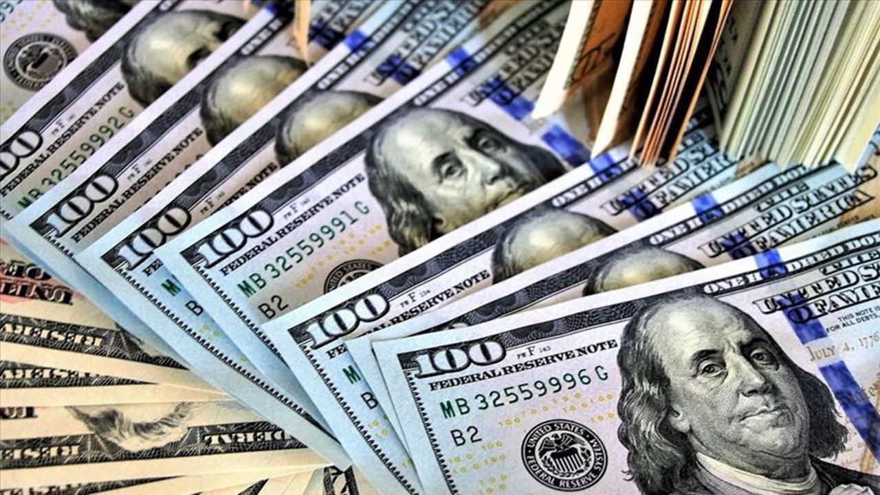 Dolarda dalgalı görünüm