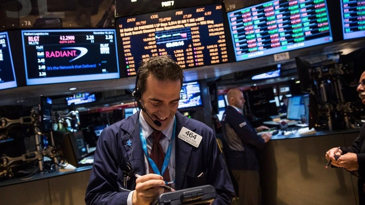 Dow Jones ve S&P 500 rekor seviyelere ulaştı