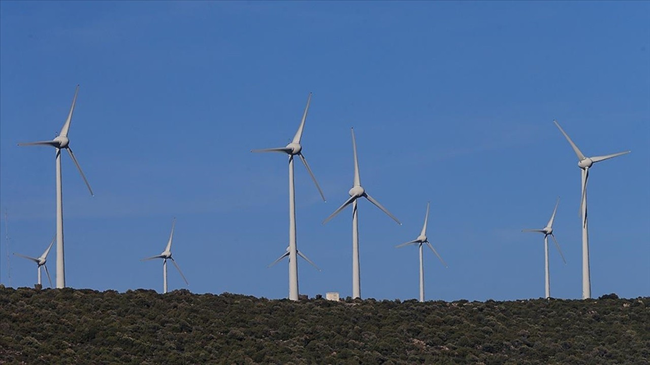 Dönmez'den YEKA RES açıklaması: 2 bin megavatlık bir yarışma olacak