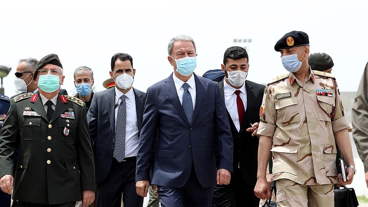 Bakan Akar Libya'da: Yapılan emekler bir noktaya geldi