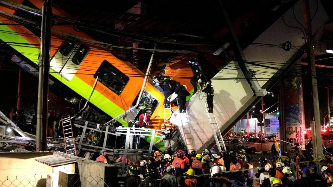 Meksika'da üst geçit çöktü: en az 23 ölü, 70 yaralı