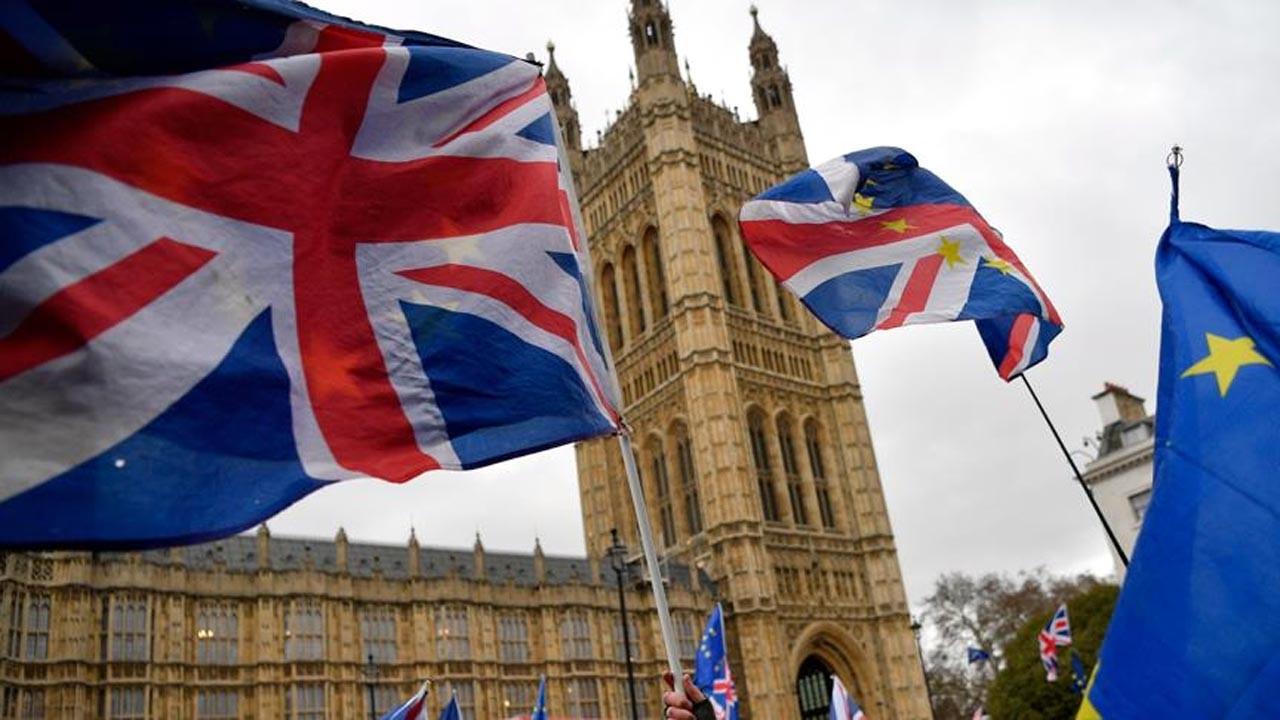 İngiltere'de konut kredileri martta 35,6 milyar sterline yükseldi
