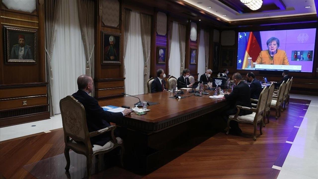 Erdoğan Merkel ile video konferans görüşmesi yaptı