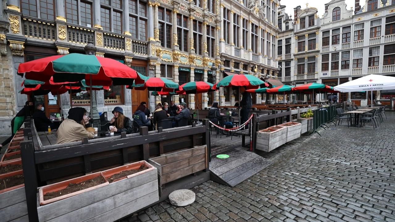 Belçika'da normalleşme: Kafe ve restoranlar açıldı