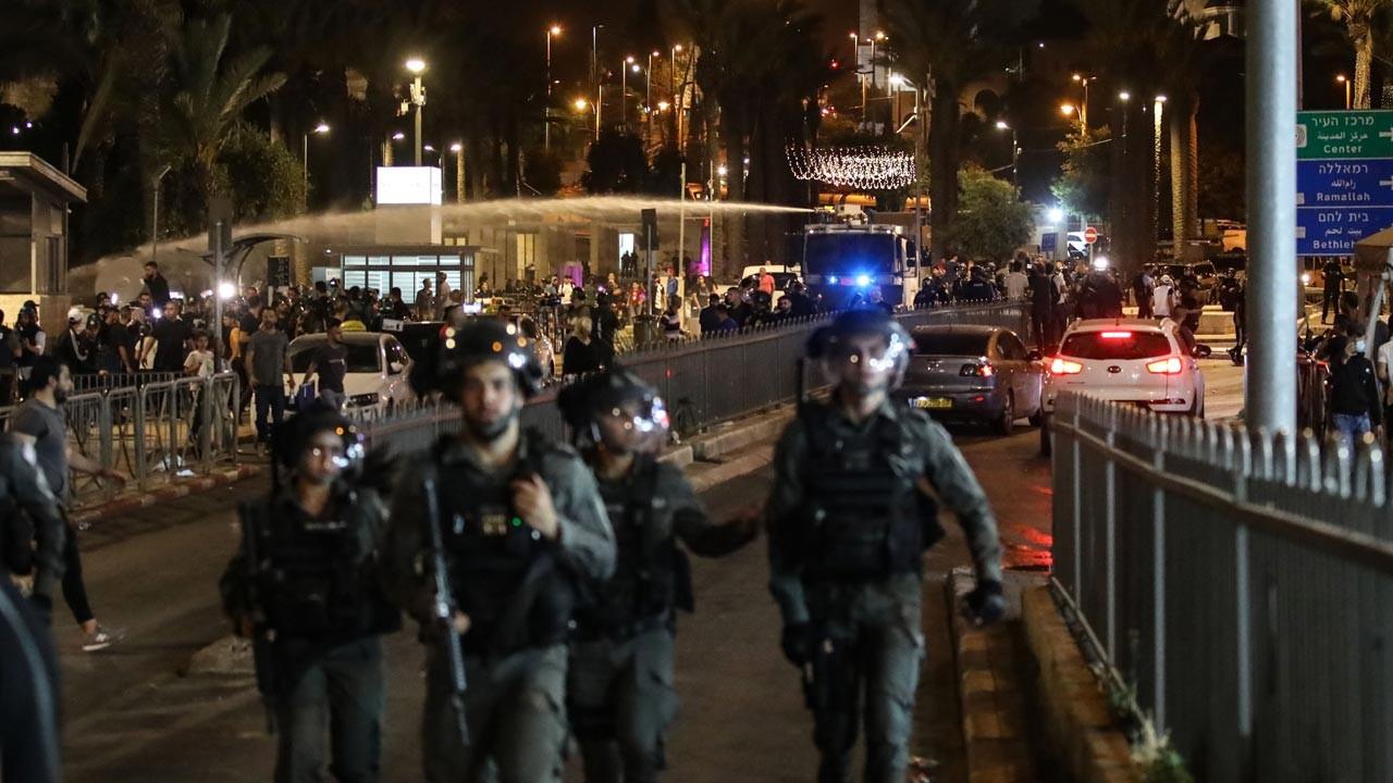 İsrail polisi Şam Kapısı'nda Filistinlilere müdahale etti