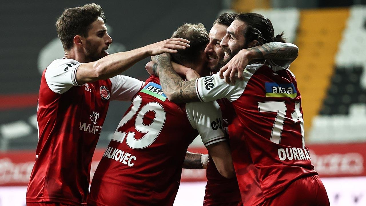 Beşiktaş F. Karagümrük'e altın değerinde 3 puan bıraktı